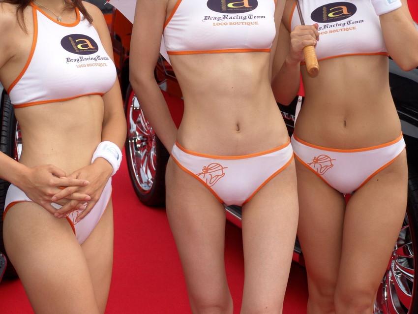 【キャンギャルエロ画像】こんな過激衣装でイベント会場を闊歩するキャンギャルたちのハプニング多し! 23