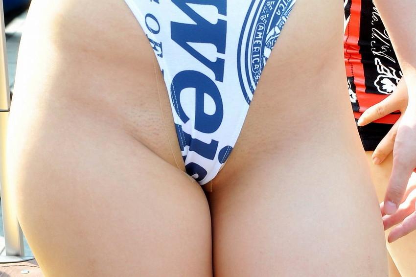 【キャンギャルエロ画像】こんな過激衣装でイベント会場を闊歩するキャンギャルたちのハプニング多し! 29