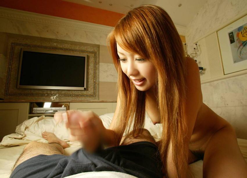 【手コキエロ画像】女の子の柔らかい掌の中で弄ばれている感じが堪らない 50
