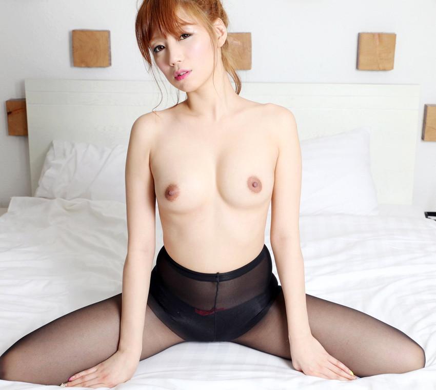 【韓国人エロ画像】日本人とよく似た風貌のコリアン女性の美しいヌード画像 18
