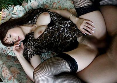 【着衣セックスエロ画像】脱がせないから興奮する!着衣セックス画像!