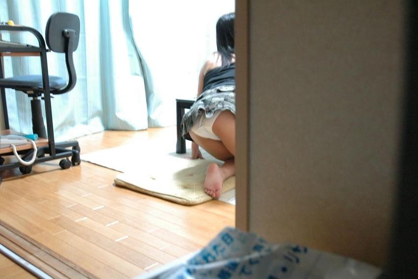 【家庭内盗撮エロ画像】まさかの犯行!家族に盗撮された気の毒な女たちの末路… 10