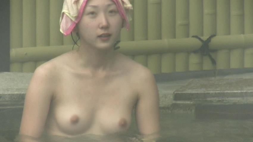 【女風呂エロ画像】成人した今となっては未知の領域!女風呂盗撮! 32