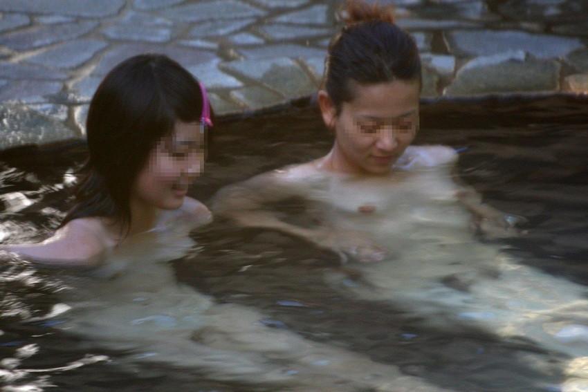 【女風呂エロ画像】成人した今となっては未知の領域!女風呂盗撮! 39