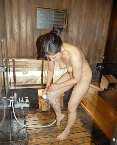 【女風呂エロ画像】成人した今となっては未知の領域!女風呂盗撮! 12