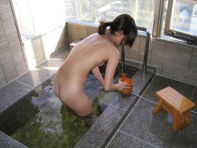 【女風呂エロ画像】成人した今となっては未知の領域!女風呂盗撮! 43