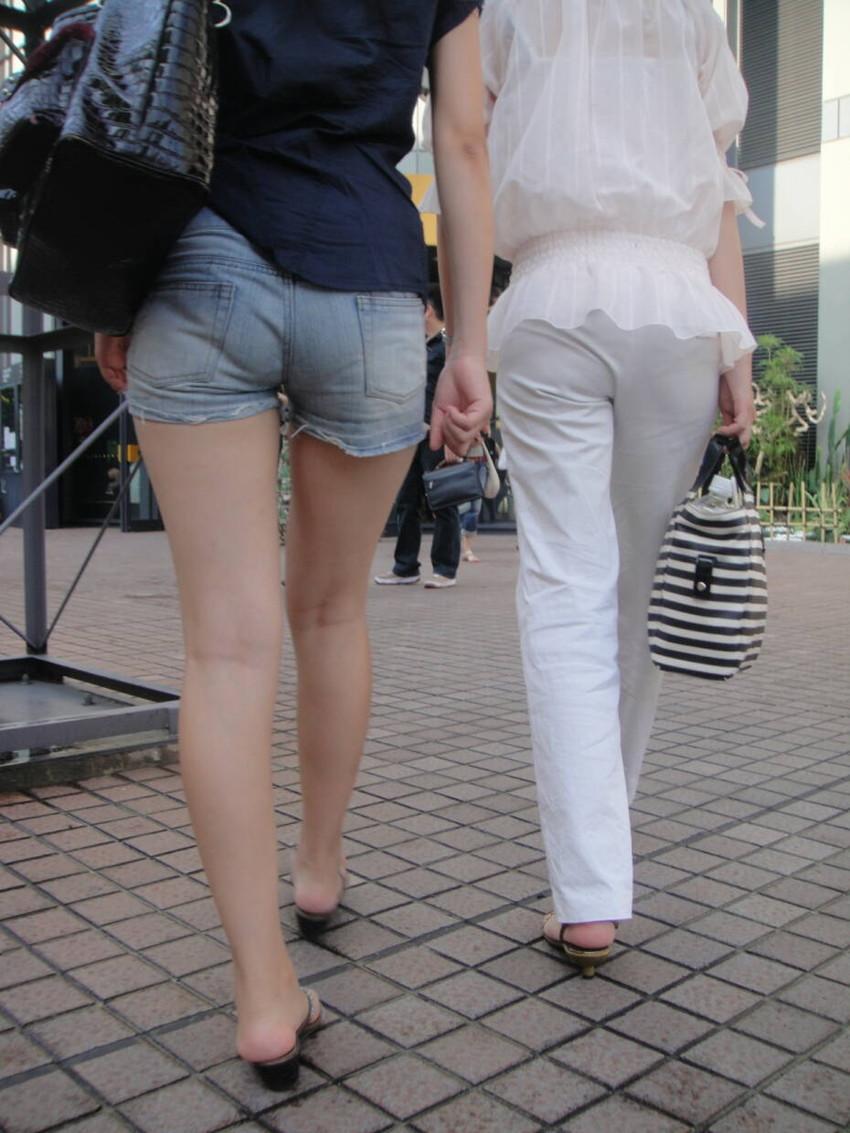 【ホットパンツエロ画像】どうしたって熱い視線で見てしまう街行く女の子達のホットパンツ! 45