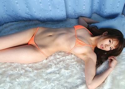【マイクロビキニエロ画像】裸同然!みたいなマイクロビキニがエロすぎるんだが…