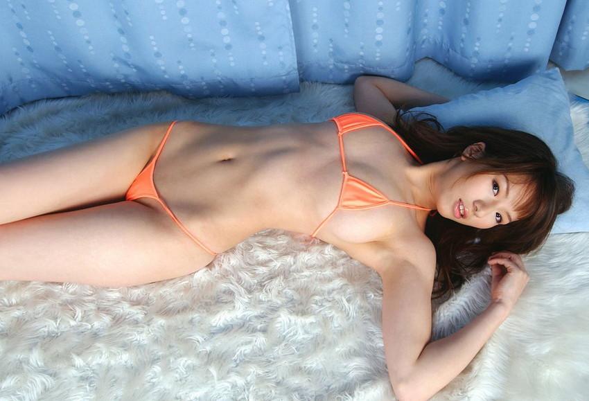 【マイクロビキニエロ画像】裸同然!みたいなマイクロビキニがエロすぎるんだが… 49