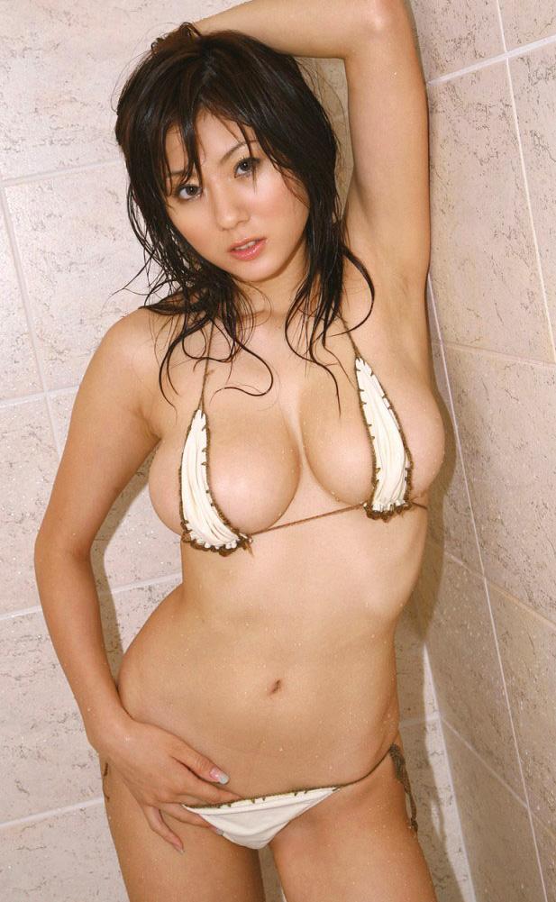 【マイクロビキニエロ画像】裸同然!みたいなマイクロビキニがエロすぎるんだが… 55