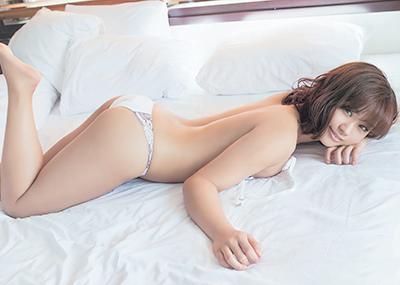 安枝瞳がプロも認める尻をプリプリさせてソフマップに凱旋!【画像21枚】