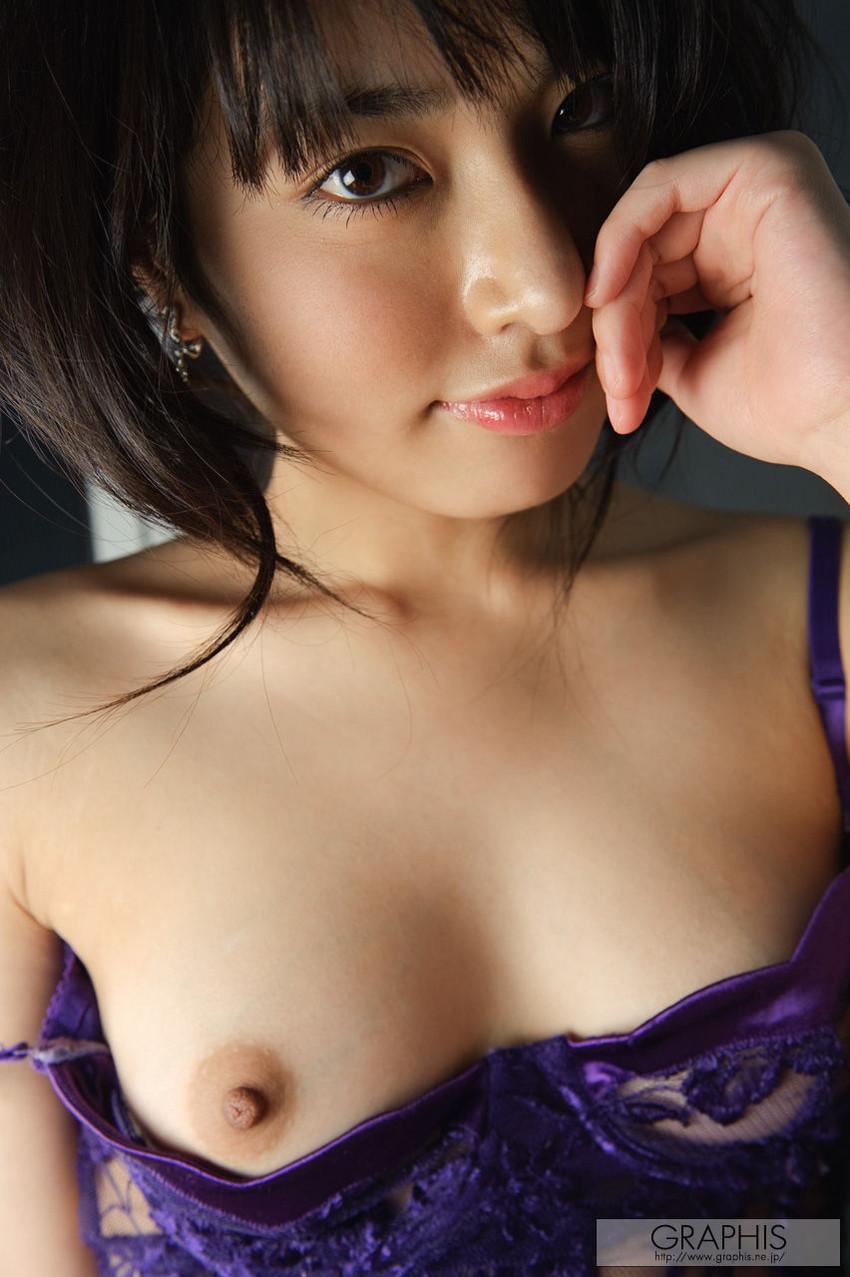【AV女優エロ画像】初オナニーは小学校6年!中学卒業の頃にはAV女優志願だった! 25
