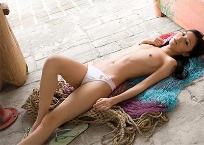 【AV女優エロ画像】グラドルからAVへと転進した『希志あいの』のエロティックな身体!