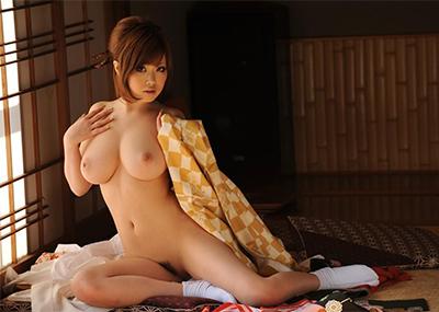【和服エロ画像】肌蹴た着物から覗く白い肌が悩ましい大和撫子たち!