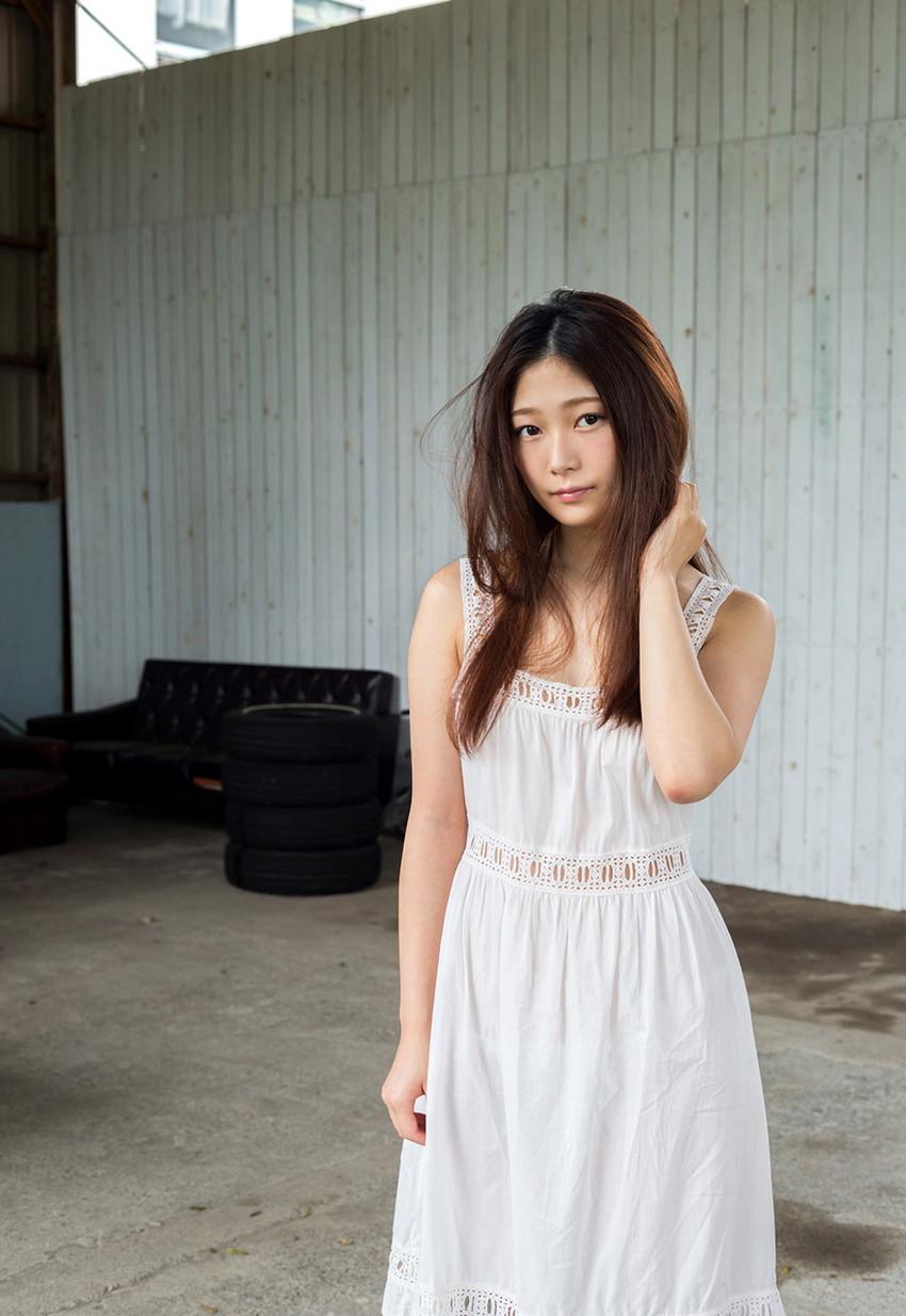 【AV女優エロ画像】OLでありながらAV女優という変わったスタイルのAV女優 02