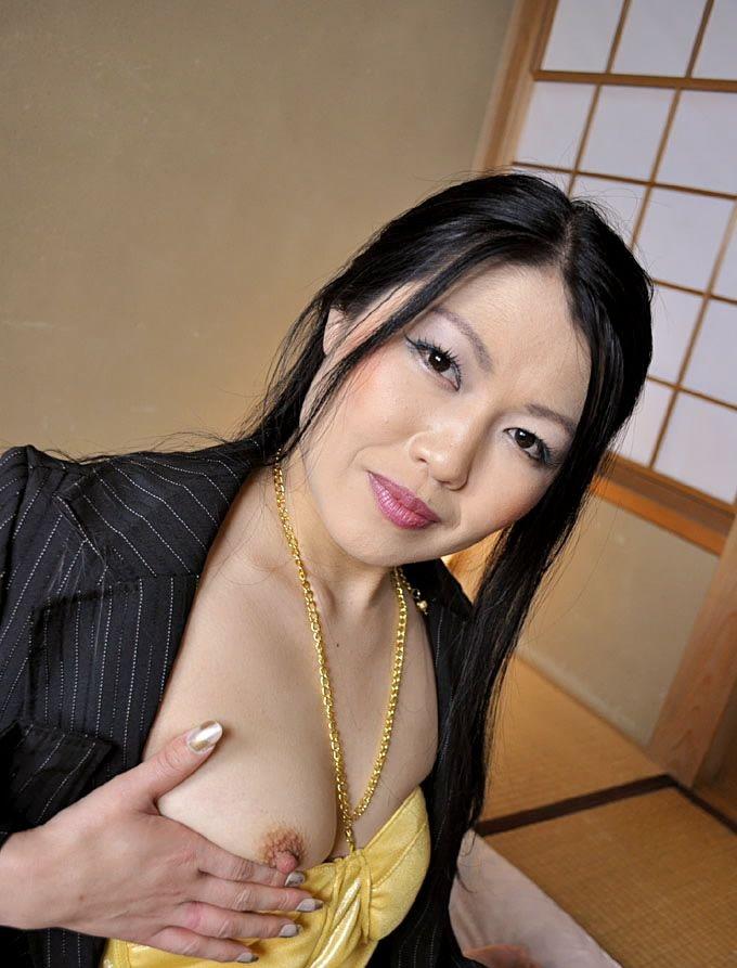 【美熟女エロ画像】熟女はニガテというやつでも、こんな美人熟女ならイケるだろ!? 49