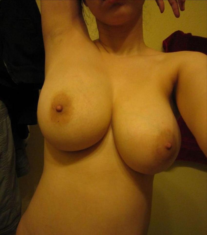 【素人エロ画像】ネット上で女神様!なんて崇められて裸を晒す素人むすめ! 21