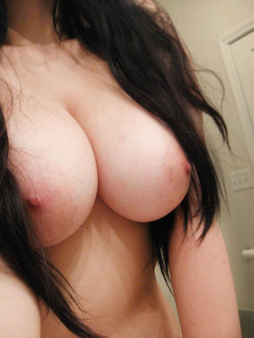 【素人エロ画像】ネット上で女神様!なんて崇められて裸を晒す素人むすめ! 47