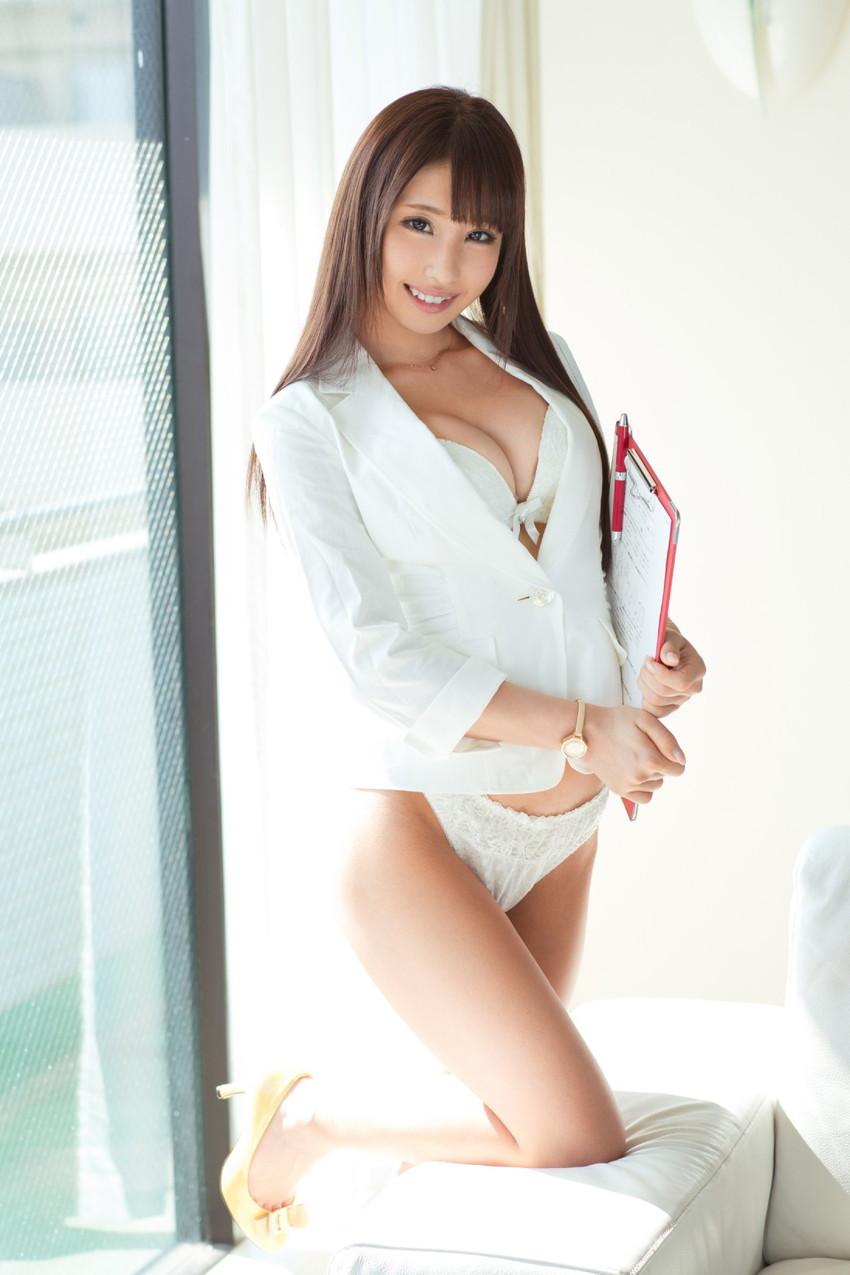 【あやみ旬果エロ画像】そのおっぱいに技有り!エロい乳輪、乳首が堪らないAV女優! 04