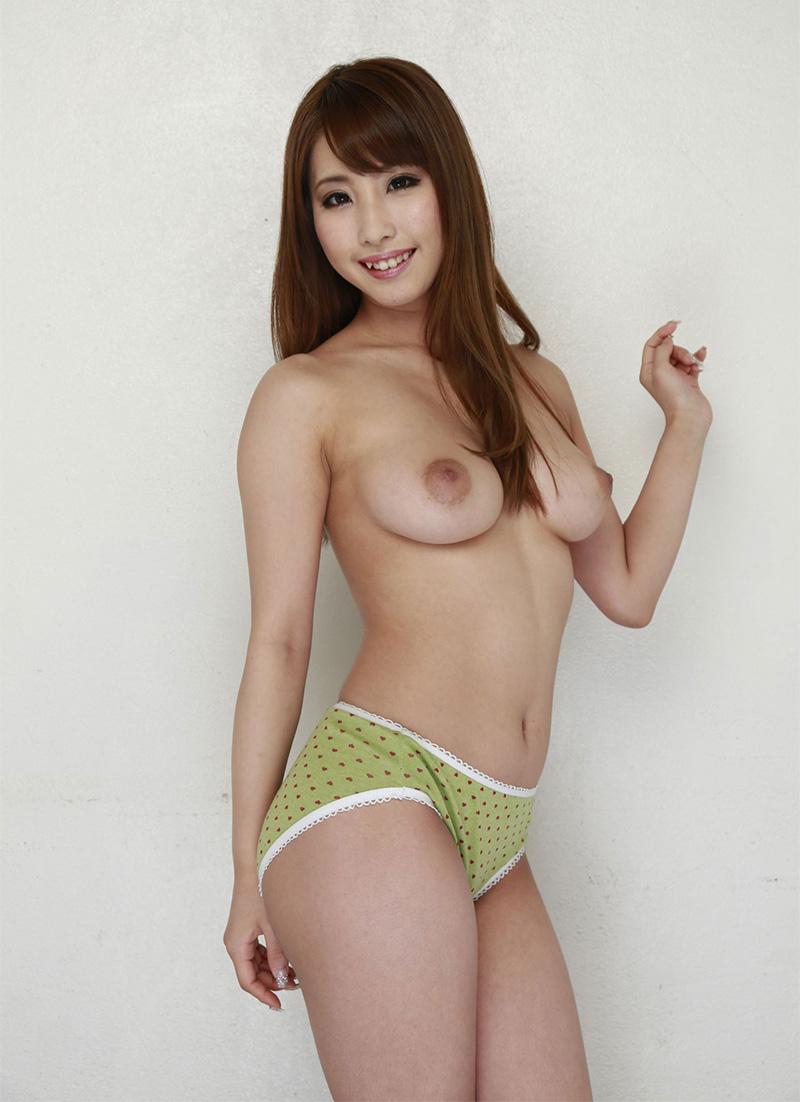 【あやみ旬果エロ画像】そのおっぱいに技有り!エロい乳輪、乳首が堪らないAV女優! 13