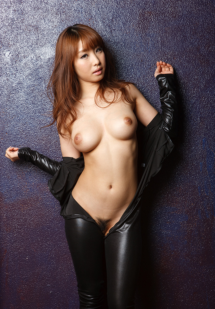 【あやみ旬果エロ画像】そのおっぱいに技有り!エロい乳輪、乳首が堪らないAV女優! 23