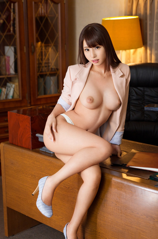 【あやみ旬果エロ画像】そのおっぱいに技有り!エロい乳輪、乳首が堪らないAV女優! 34