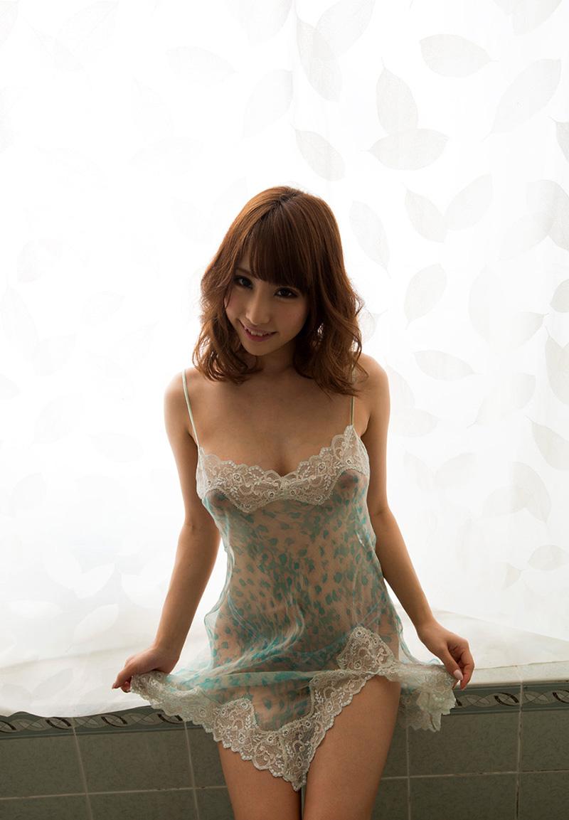 【あやみ旬果エロ画像】そのおっぱいに技有り!エロい乳輪、乳首が堪らないAV女優! 35