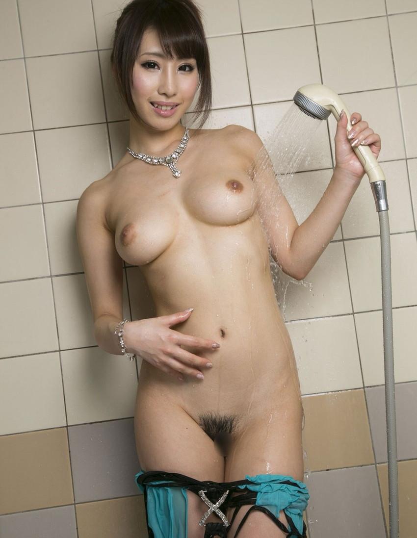 【あやみ旬果エロ画像】そのおっぱいに技有り!エロい乳輪、乳首が堪らないAV女優! 45