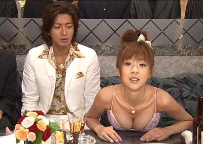 【( ●∀●)o彡●お○ぱい!お○ぱい!】TVでの歴史的胸チラシーンが次々投下されるスレ。(画像30枚)