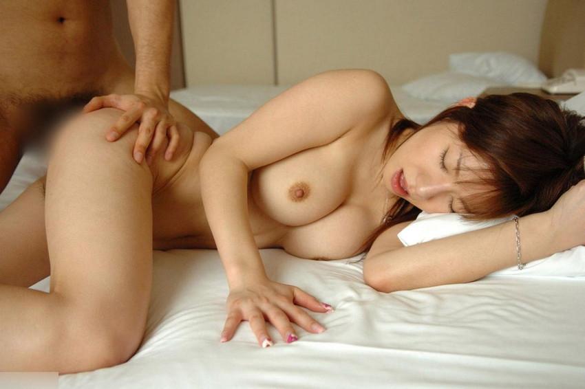 【セックスエロ画像】画像から伝わる臨場感!生々しく卑猥なセックス画像 28