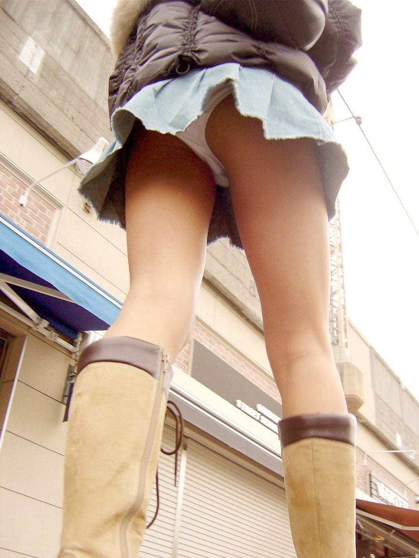 【パンチラエロ画像】ローアングルからスカートの中身を狙い撃ちしたった! 16