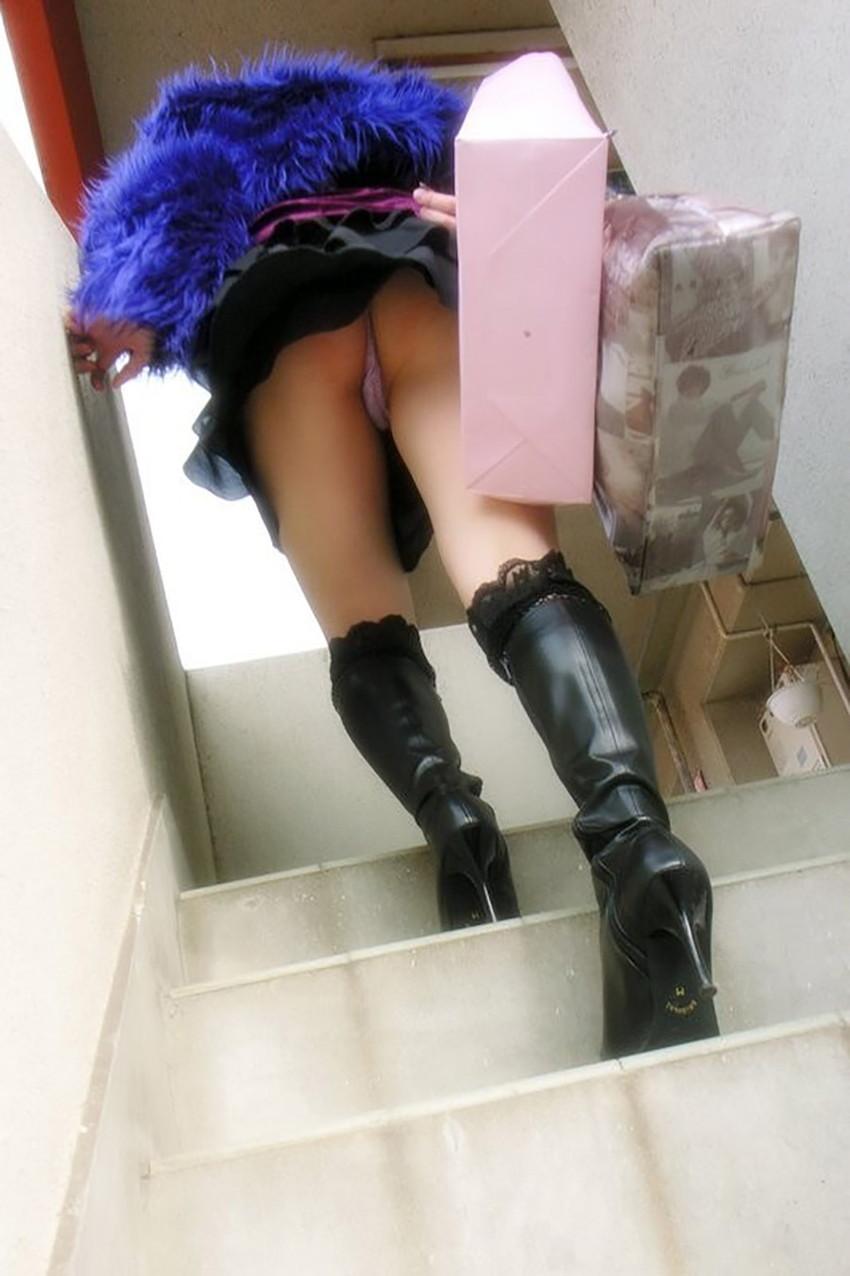 【パンチラエロ画像】ローアングルからスカートの中身を狙い撃ちしたった! 34