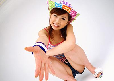 【紋舞らんエロ画像】愛嬌たっぷりの可愛すぎる人気AV女優、紋舞らん!