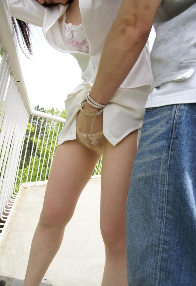 【手マンエロ画像】女の子のオマンコを弄る行為!手マン画像がエロいぞ! 27