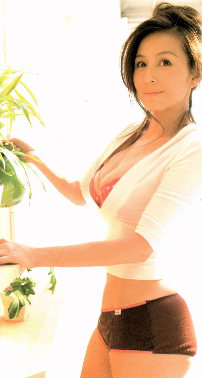 【杉本彩エロ画像】様々なシーンで活躍し続けるセクシーウーマン杉本彩! 29