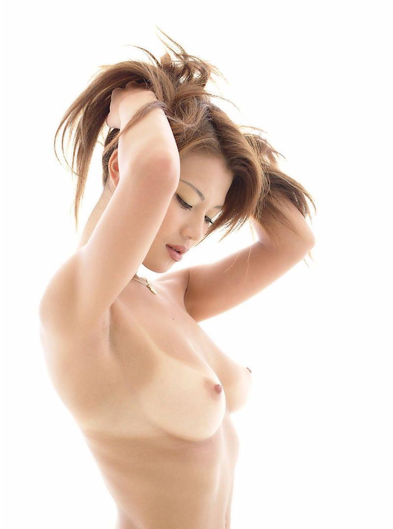 【日焼け跡エロ画像】白と黒のコントラストが劇的にエロさを演出する日焼け跡 21