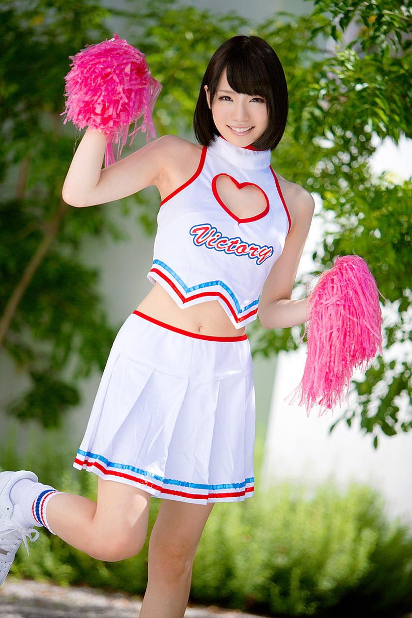 【鈴村あいりエロ画像】可愛いルックスと巨乳ではないが超がつくほどの美乳のAV女優