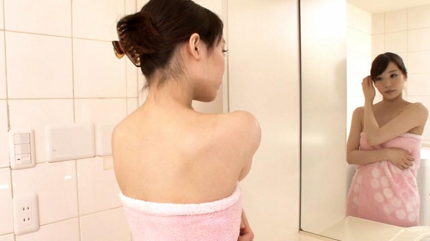 【鈴村あいりエロ画像】可愛いルックスと巨乳ではないが超がつくほどの美乳のAV女優 12