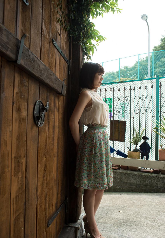 【鈴村あいりエロ画像】可愛いルックスと巨乳ではないが超がつくほどの美乳のAV女優 40