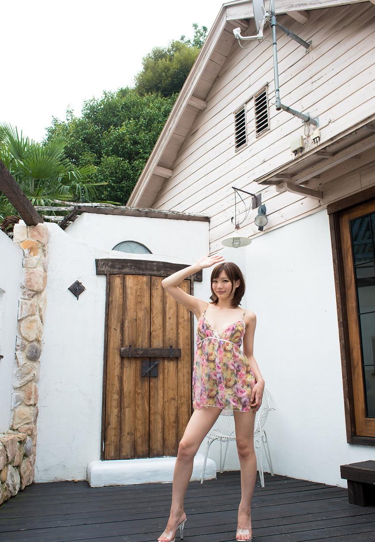 【鈴村あいりエロ画像】可愛いルックスと巨乳ではないが超がつくほどの美乳のAV女優 47