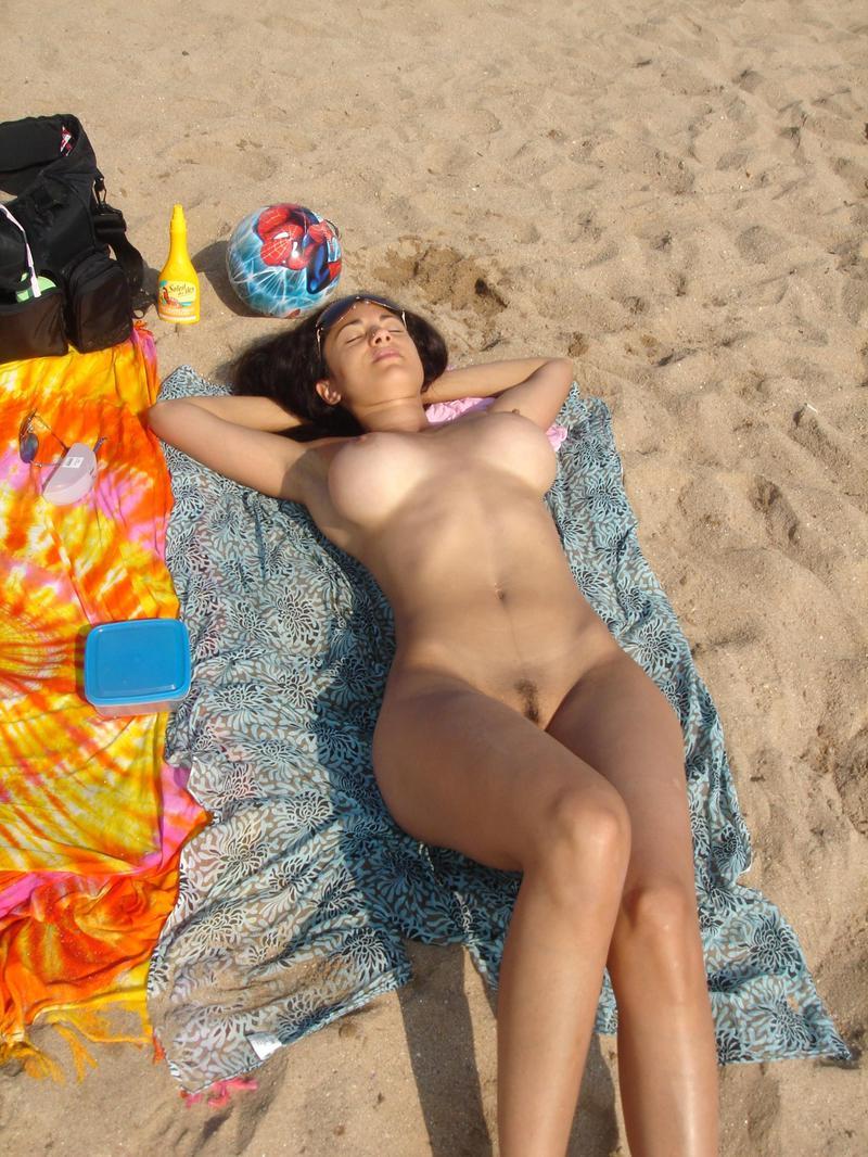 【ヌーディストビーチエロ画像】海外にいったら一度は足を運びたい!ヌーディストビーチ 46