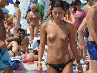 【ヌーディストビーチエロ画像】海外にいったら一度は足を運びたい!ヌーディストビーチ 25