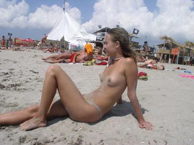 【ヌーディストビーチエロ画像】海外にいったら一度は足を運びたい!ヌーディストビーチ 27