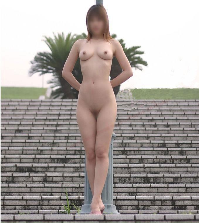 【素人露出エロ画像】素人たちの過激すぎる野外露出画像がコチラw 11