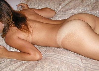 【日焼け跡エロ画像】日焼け跡のクッキリ残った身体ってそれだけでエロいよな!?