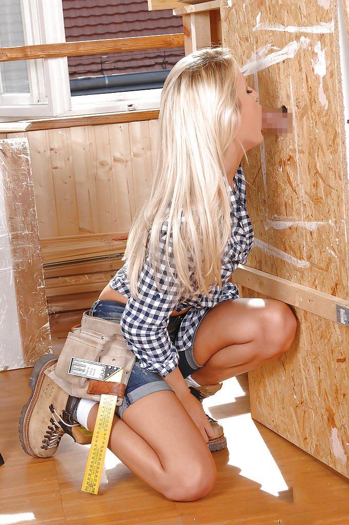 【グローリーホールエロ画像】壁穴から生えたチンポに金髪美女がご奉仕!? 41
