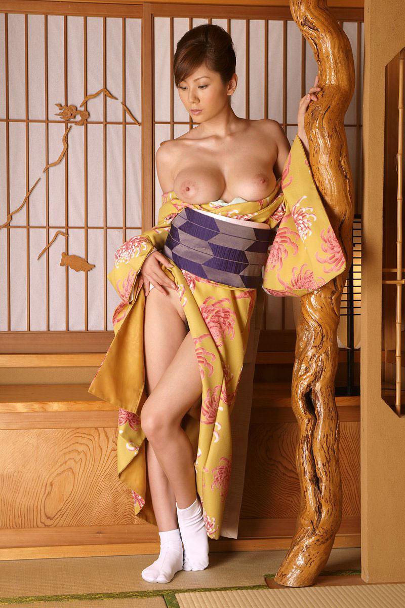 【和装エロ画像】日本人ならこういう画像は外すワケにはいかないだろ!? 52