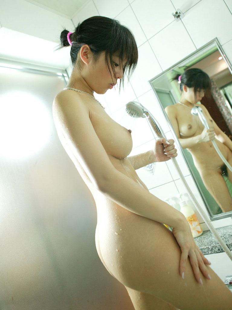 【ヌードエロ画像】美女の入浴姿が官能的で艶めかしいw(55枚) 23