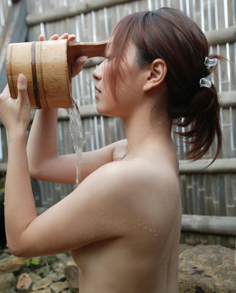 【ヌードエロ画像】美女の入浴姿が官能的で艶めかしいw(55枚) 30