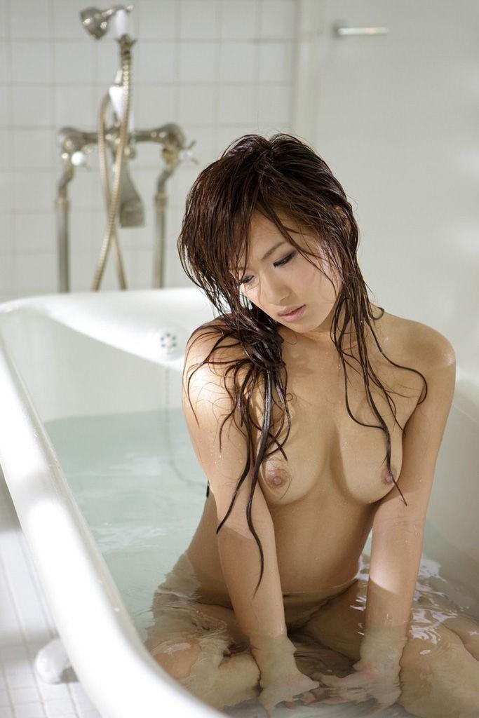 【ヌードエロ画像】美女の入浴姿が官能的で艶めかしいw(55枚) 33